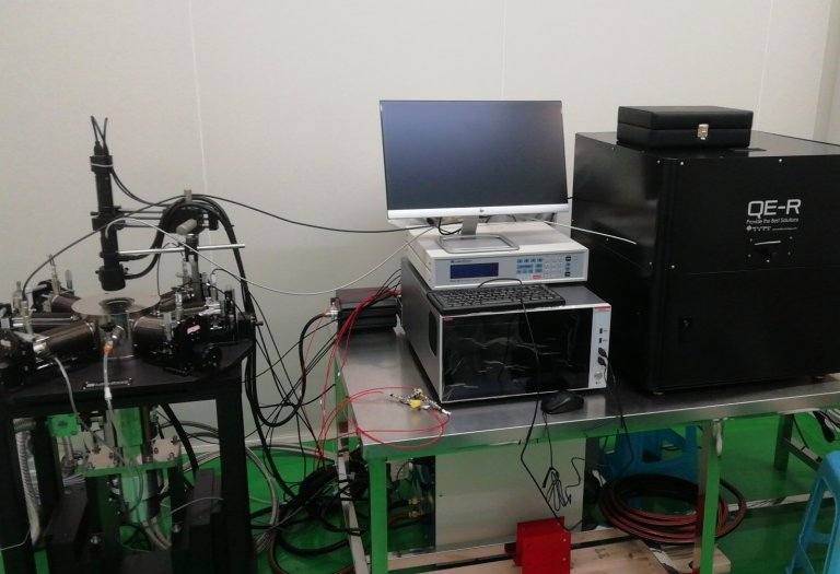 QE-R quantum efficiency 量子效率整合高精度低溫探針台 Quantum Efficiency testing in low temperature probe stage made by Lakeshore. The system combined with Keithley 4200 SMU.