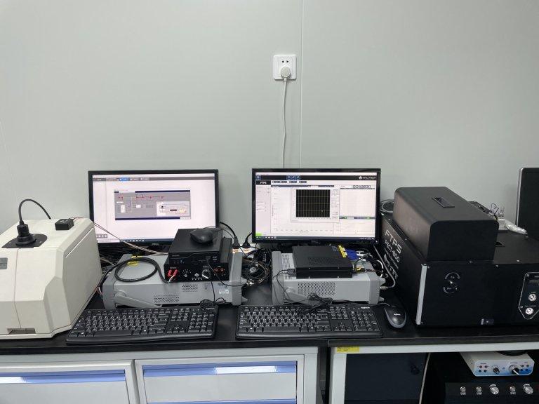 Fourier Transform Photocurrent Spectroscopy 傅里葉轉換光電流譜